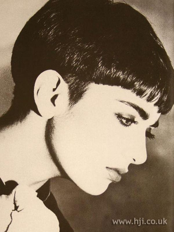 1986 straight fringe hairstyle