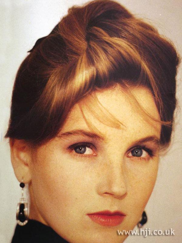 1987 loose chignon