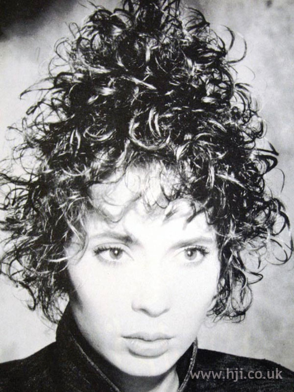1987 stacked curls hairstyle