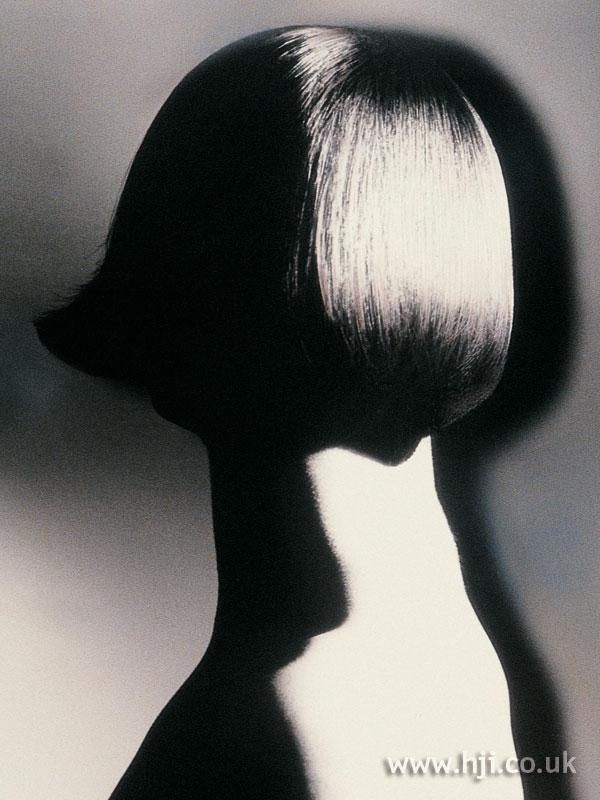 1989 sleek bob hairstyle
