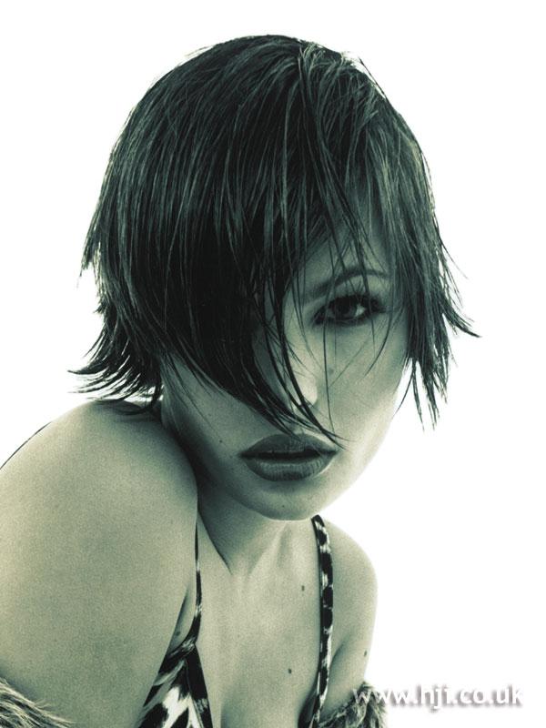 1994 dark asymmetric hairstyle