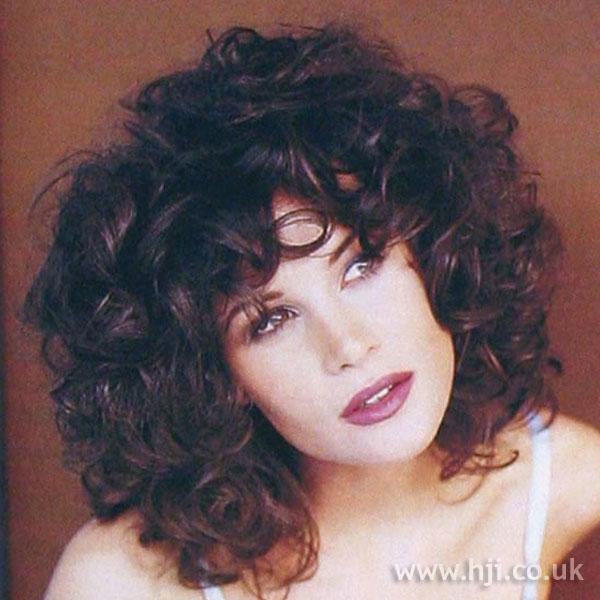 1997 brunette curls hairstyle