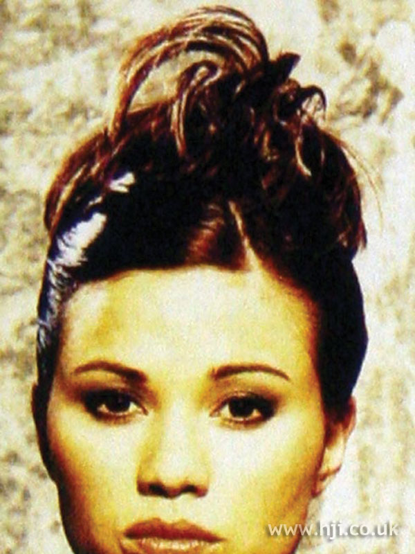 1997 brunette ponytail hairstyle