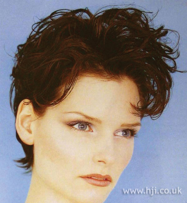 1997 brunette waves hairstyle