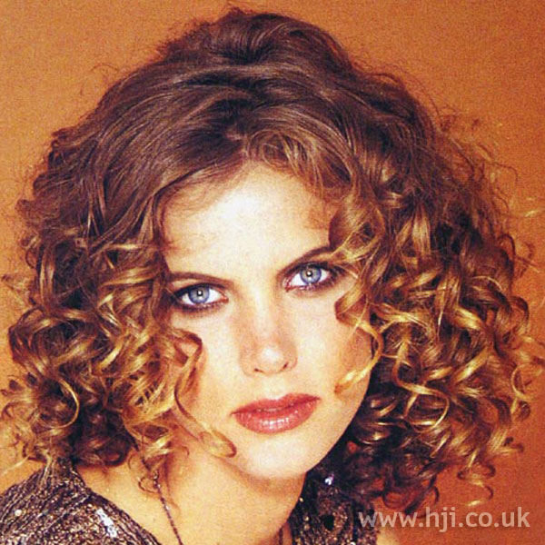 1997 ringlet curls hairstyle