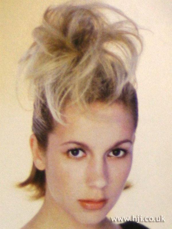 2002 updo blonde