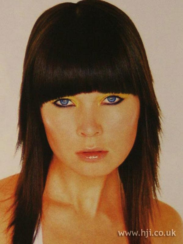 2003 fringe brunette