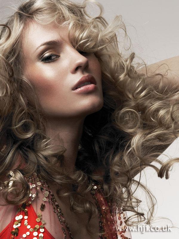 2005 blonde curls16