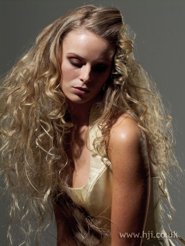 2005 long blonde2