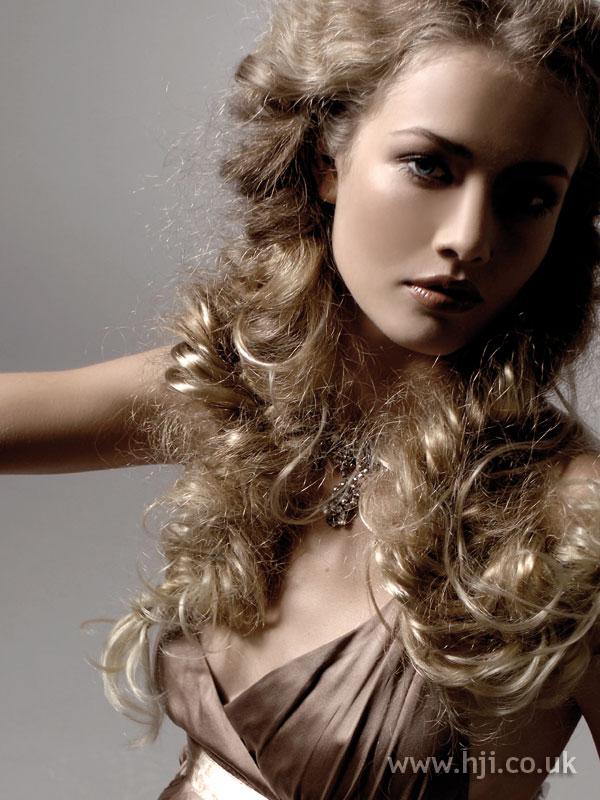 2005 long curls1
