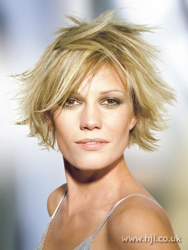 2005 short blonde3