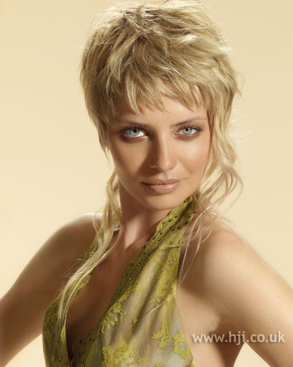2006 blonde asymmetric hairstyle