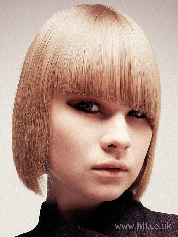 2006 blonde asymmetric bob