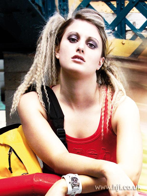 2006 blonde crimped1