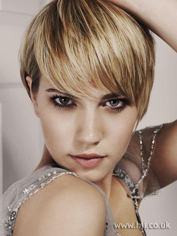 2006 blonde crop2