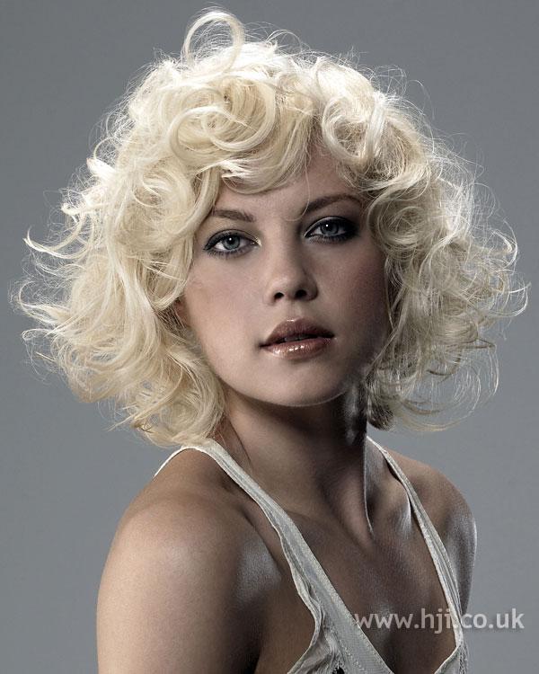 2006 blonde curls11
