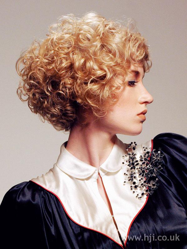 2006 blonde curls17