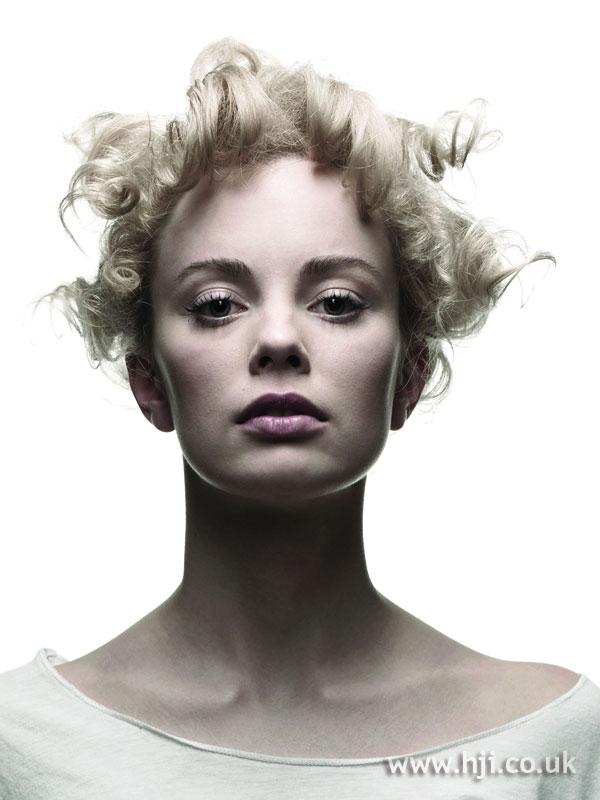 2006 blonde curls20