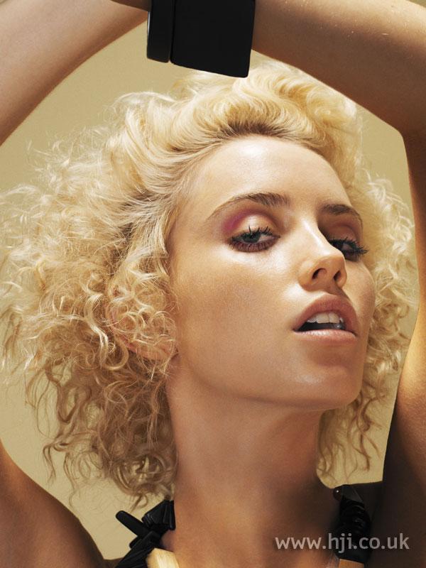 2006 blonde curls7