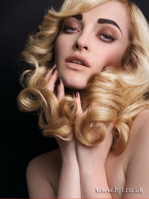 2006 side-parted golden blonde curls