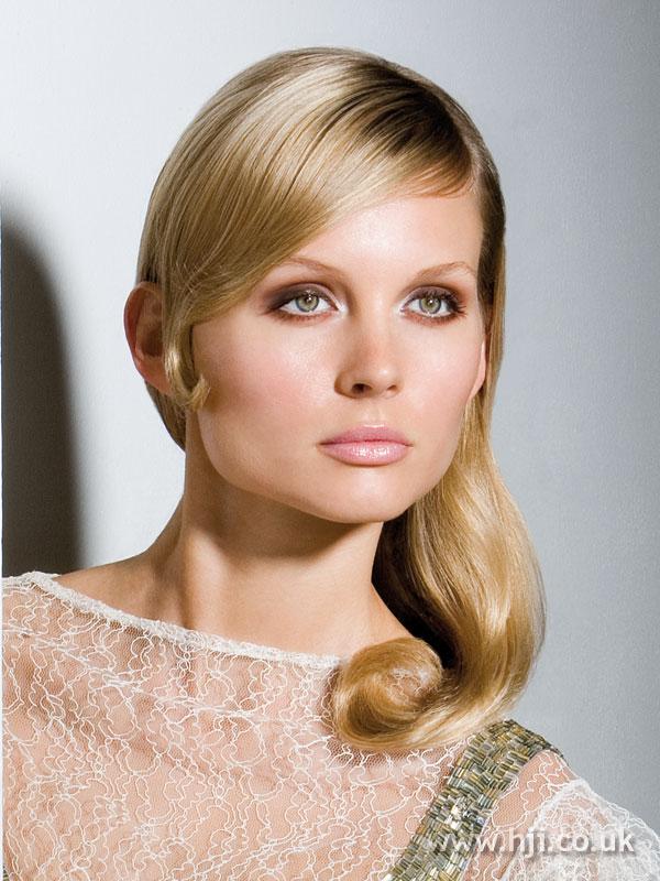 2006 blonde glossy