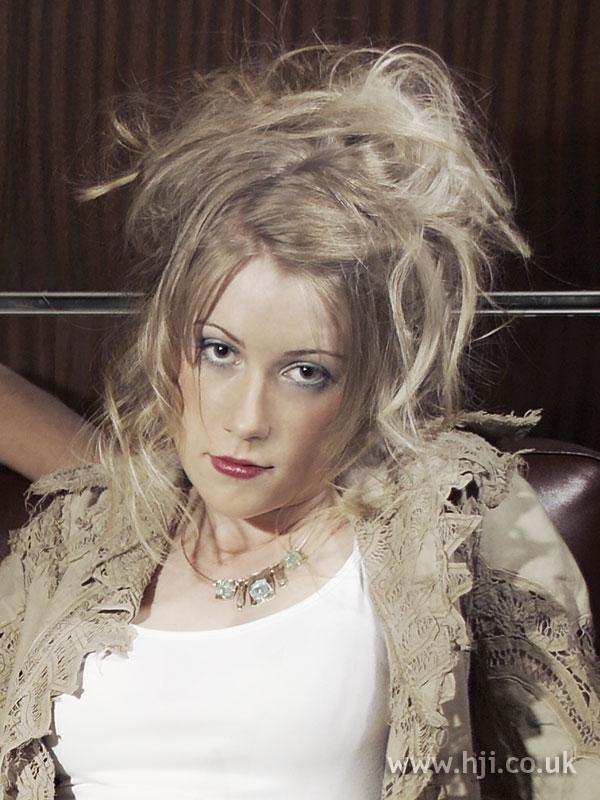 2006 blonde movement6