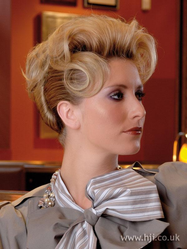 2006 blonde quiff hairstyle