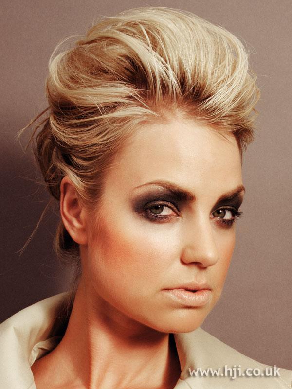 2006 blonde updo7