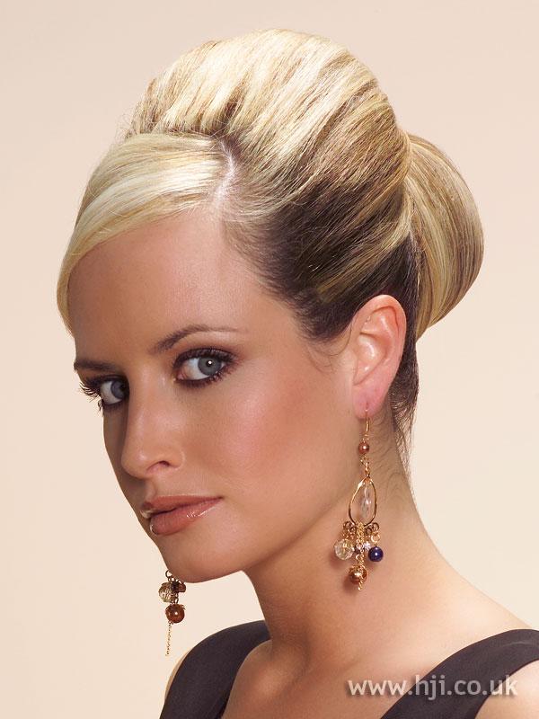 2006 blonde updo8