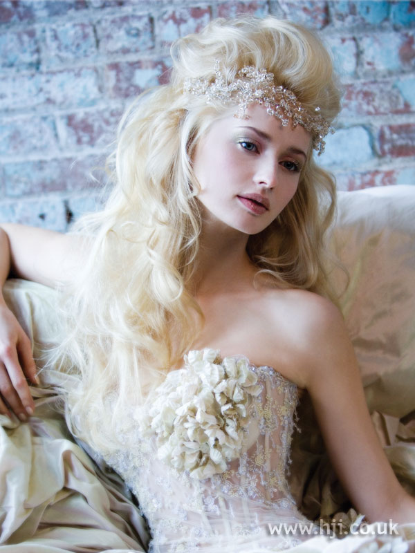 2006 blonde bridal hairstyle