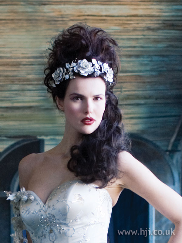 2006 long curly bridal hairstyle