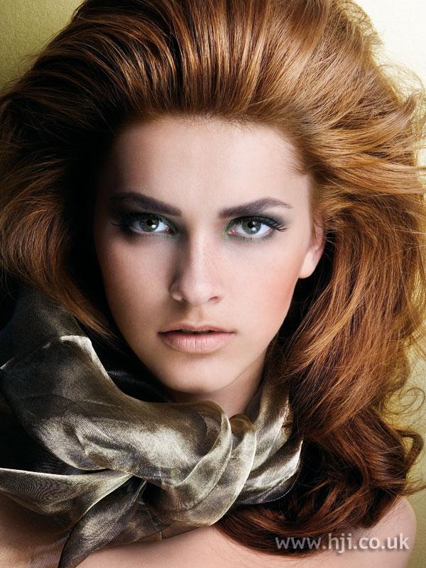 2006 voluminous brunette blow-dry