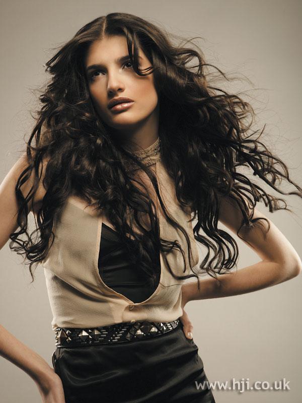 2006 dark curls