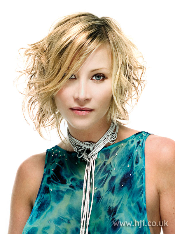 2006 glossy blonde
