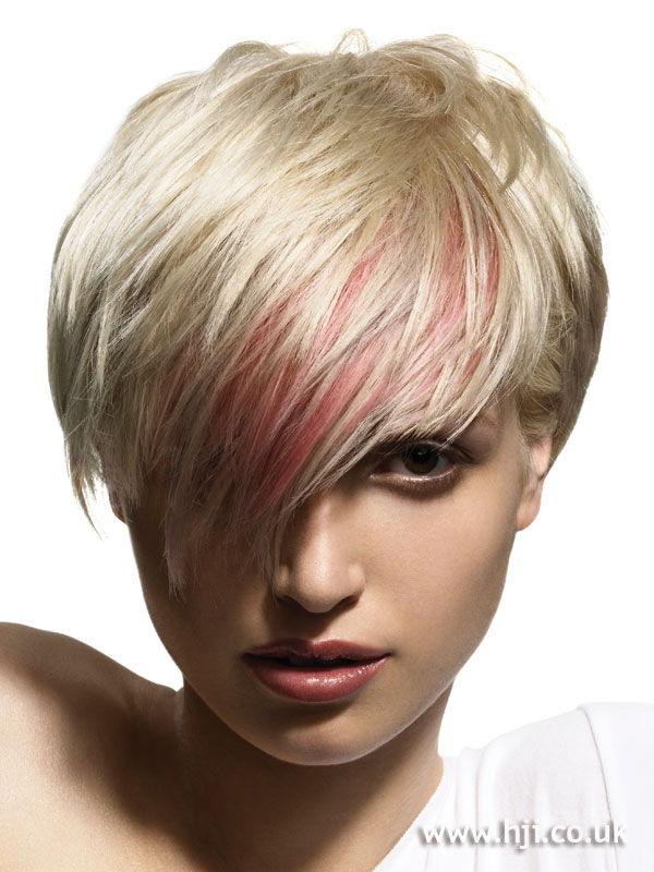 2006 platinum crop with pink streak hairstyle