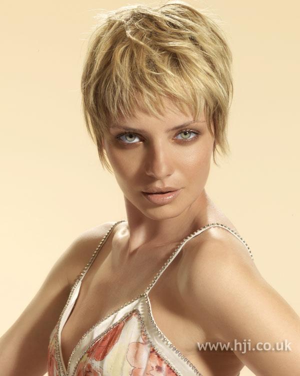 2006 short crop hairstyle