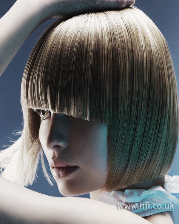 2006 straight bob hairstyle
