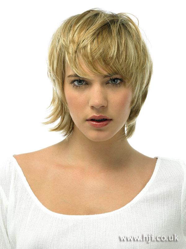 Layered blonde crop hairstyle