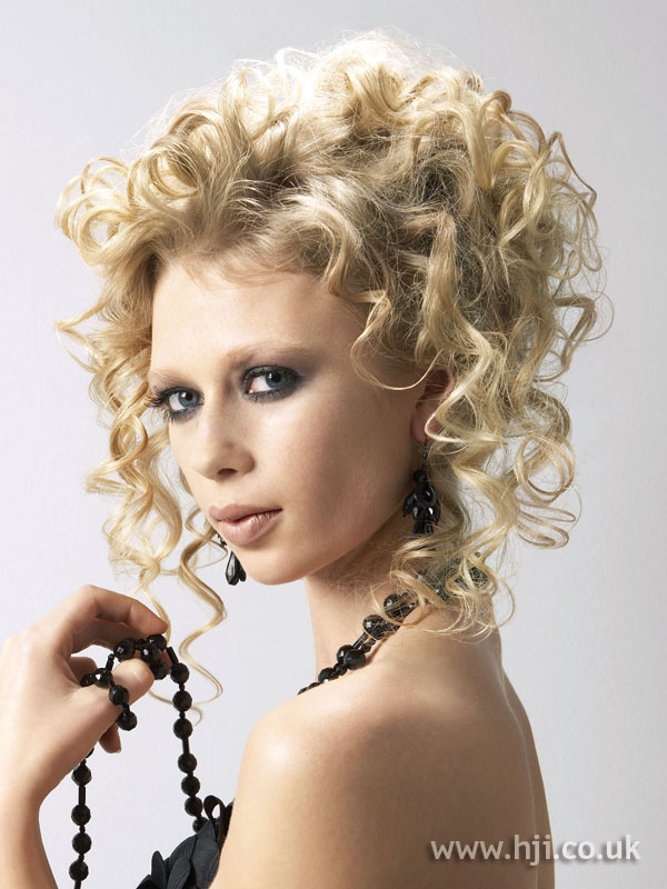 2006 updo curls2
