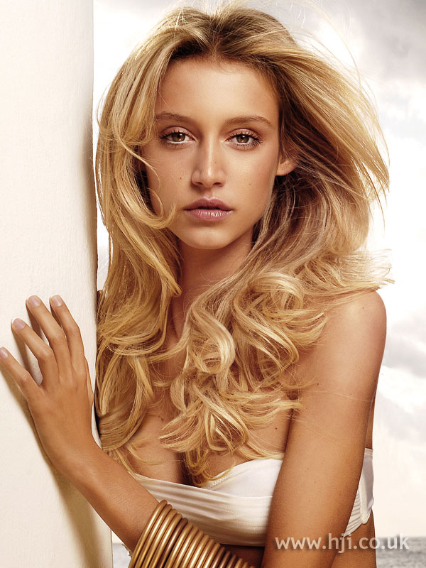 2007 blonde curls12