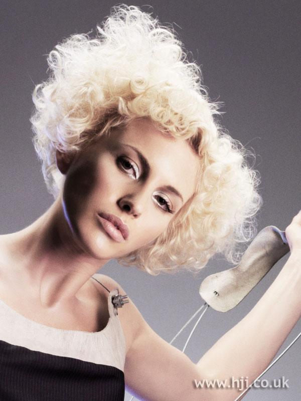 2007 blonde curls15