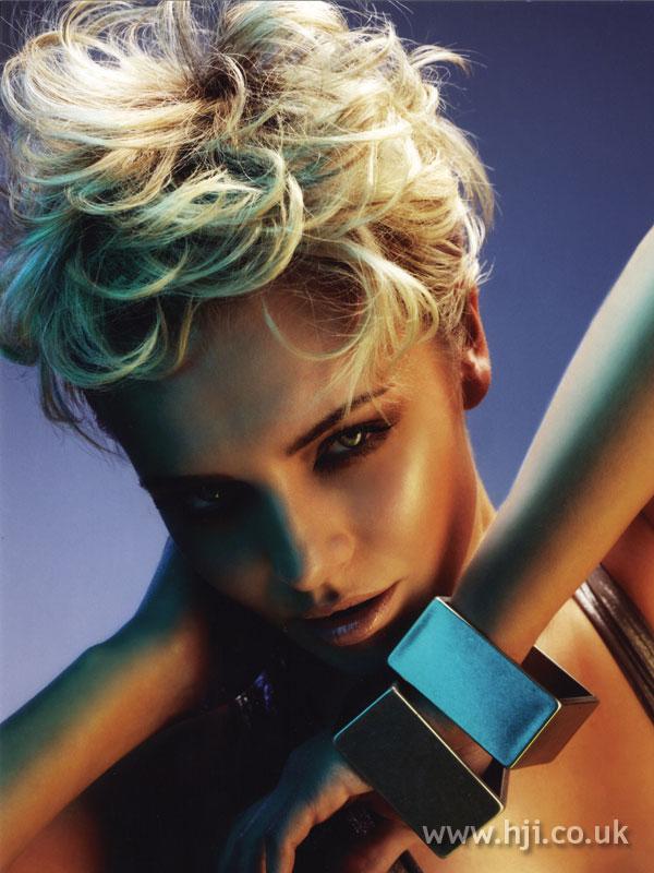 2007 blonde curls23