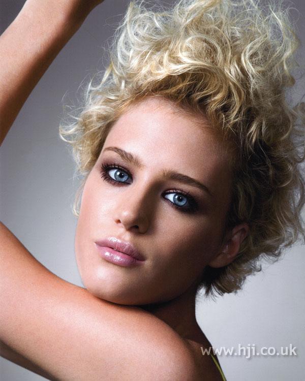 2007 blonde curls24