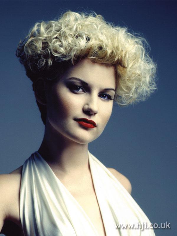 2007 blonde curls26