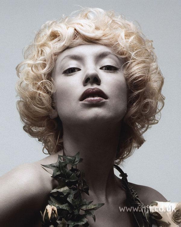 2007 blonde curls27