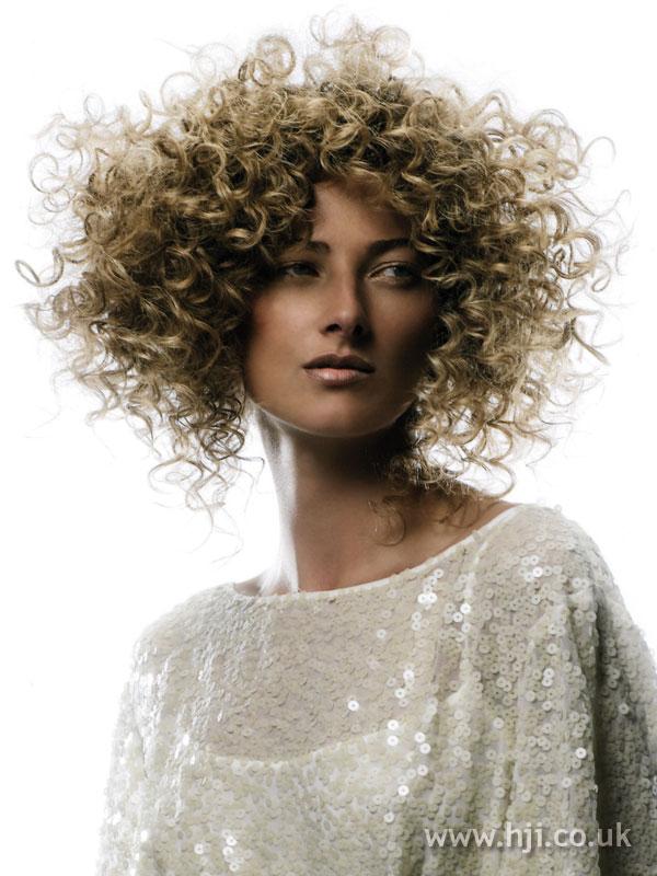 2007 blonde curls30