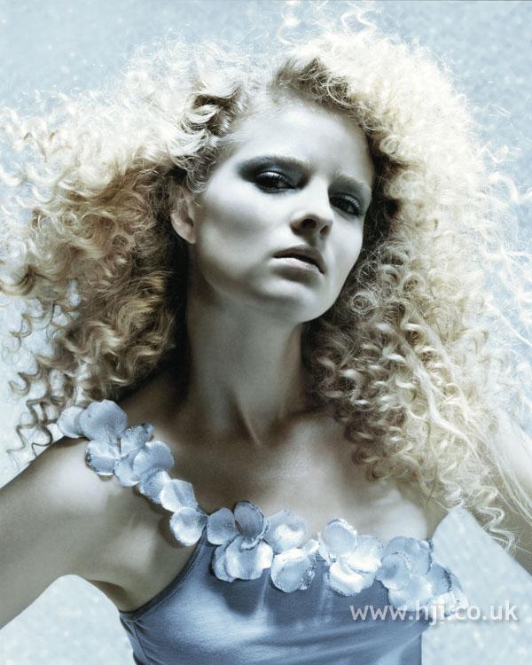 2007 blonde curls34