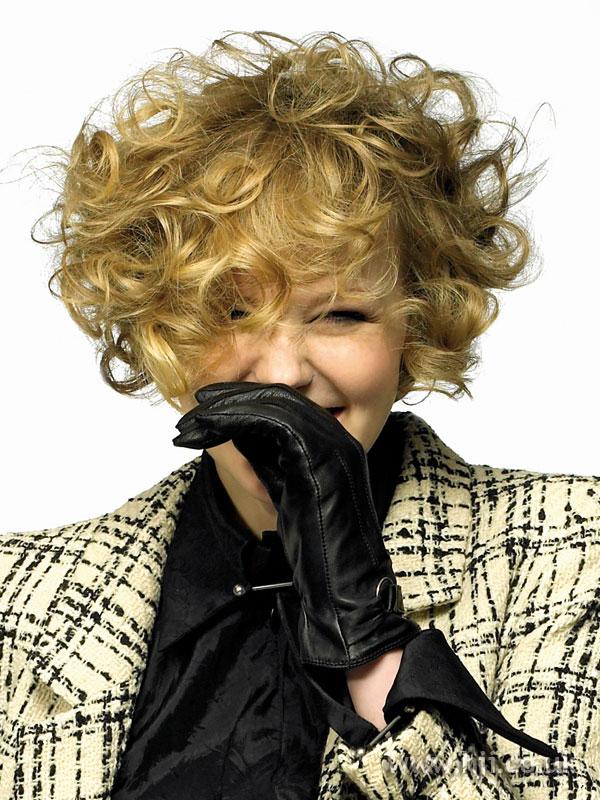2007 blonde curls38