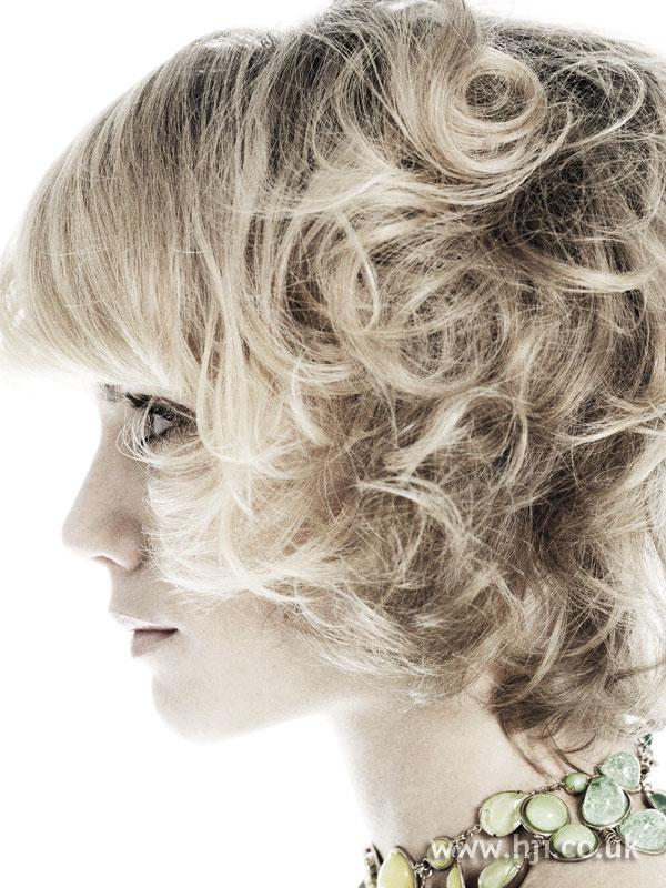 2007 blonde curls40