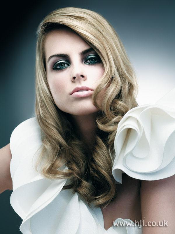 2007 blonde curls44